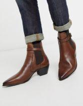 ASOS DESIGN - Chelsea-Stiefel aus Leder im Westernstil mit kubanischem Absatz und Riemen in Braun