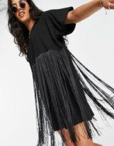 ASOS DESIGN - Kurzes T-Shirt-Kleid in Schwarz mit Fransen