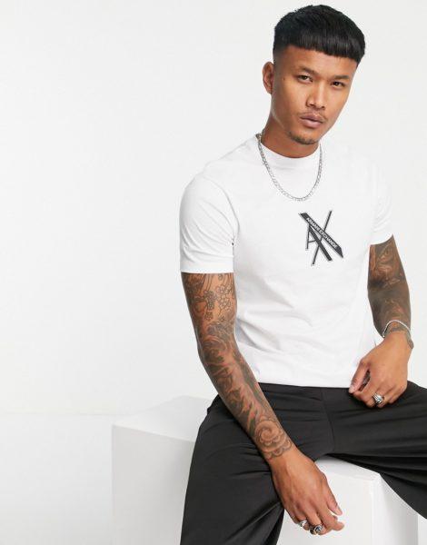 Armani Exchange - T-Shirt in Weiß mit schmalem Brustlogo