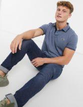 Hollister - Icon - Piqué-Polohemd mit Zierstreifen und Logo in hellem Blaugrau