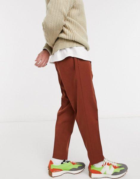 ASOS DESIGN - Elegante Hose in Braun mit schmal zulaufendem Schnitt
