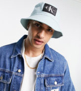 Calvin Klein Jeans - Anglerhut in Blau mit Monogramm-Aufnäher, exklusiv bei ASOS