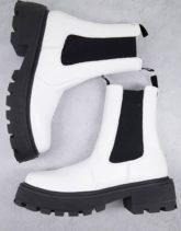 ASOS DESIGN - Chelsea-Stiefel aus Kunstleder in Weiß mit sehr dicker Kontrastsohle und eckiger Zehenpartie