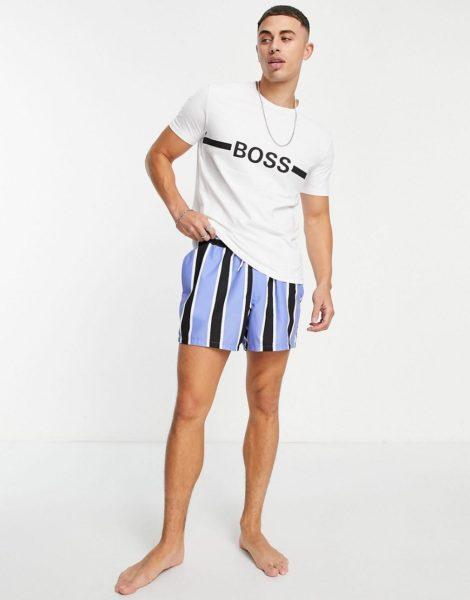 BOSS - Beachwear - Schmal geschnittenes T-Shirt in Weiß mit großem Logo