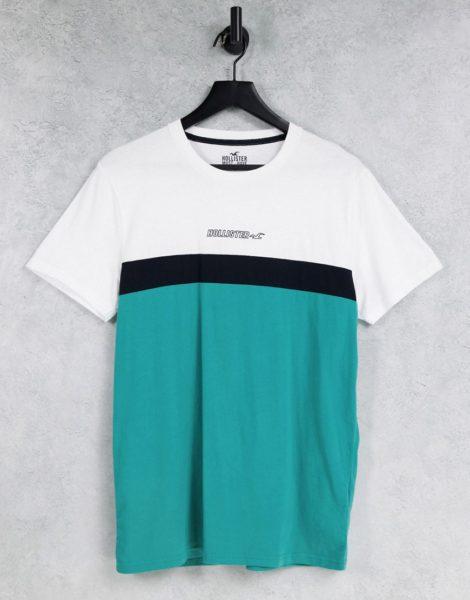 Hollister - T-Shirt im dreifarbigen Farbblockdesign in Weiß/Schwarz/Grün mit mittigem Logo-Mehrfarbig