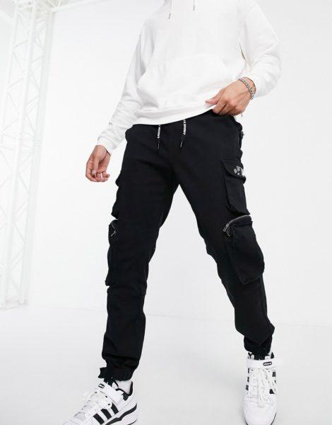 Liquor N Poker - Cargo-Hosen mit Taschen in Schwarz