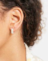 Topshop - Kleine Creolen mit Perlen in Goldoptik-Goldfarben