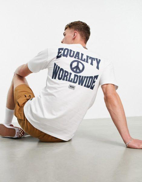 "Vans - T-Shirt mit ""Equality""-Rückenprint in Weiß"