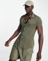 ASOS DESIGN - Enges Viskose-Hemd in Khaki-Grün