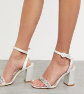 Be Mine Bridal - Neha - Verzierte Satin-Sandalen in Elfenbein, weite Passform-Weiß
